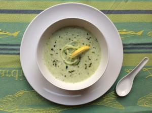 Sopa de Pepino, Almendra y Hierbabuena